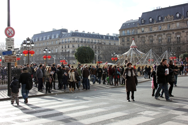 Annnd here's the square in front of Hôtel de Ville, which is appropriately decked out for the Chinese New Year.
