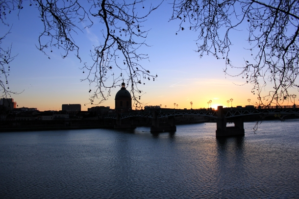 Sunset behind one of the bridges in Toulouse (I will recall the name before the actual post, promise.)