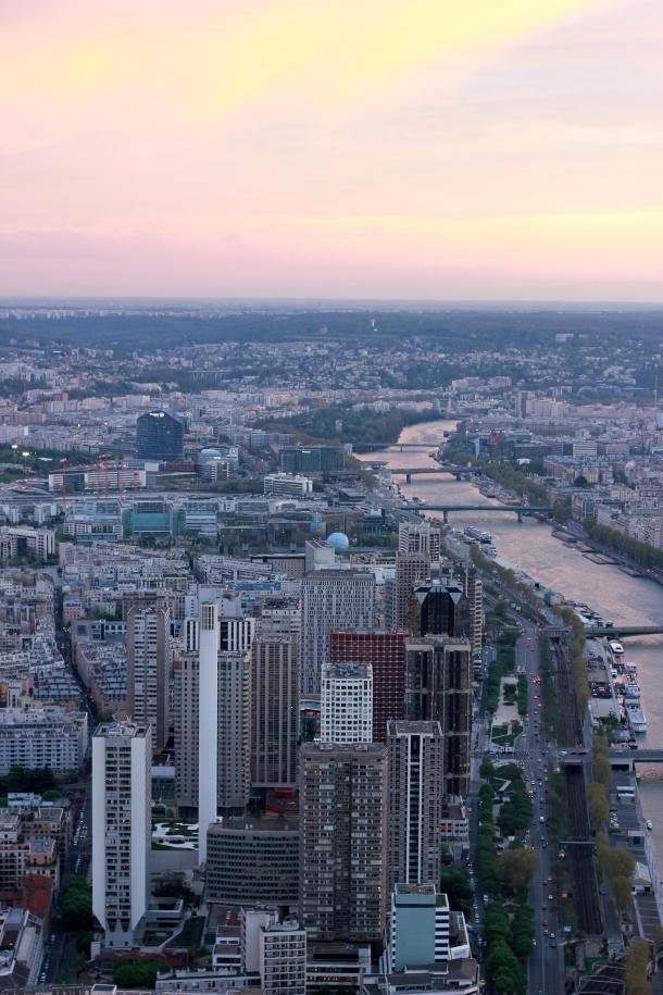 Soft pastels look good on you, Paris.